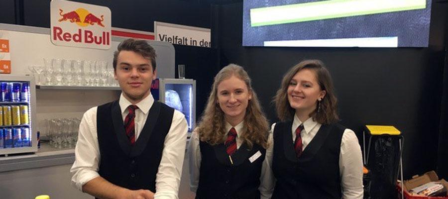 Im Bild v.l.n.r.: Max Lassnig, Stefanie Leitner, Tina Strasser