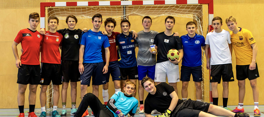 Gruppenfoto der beiden Final-Teams